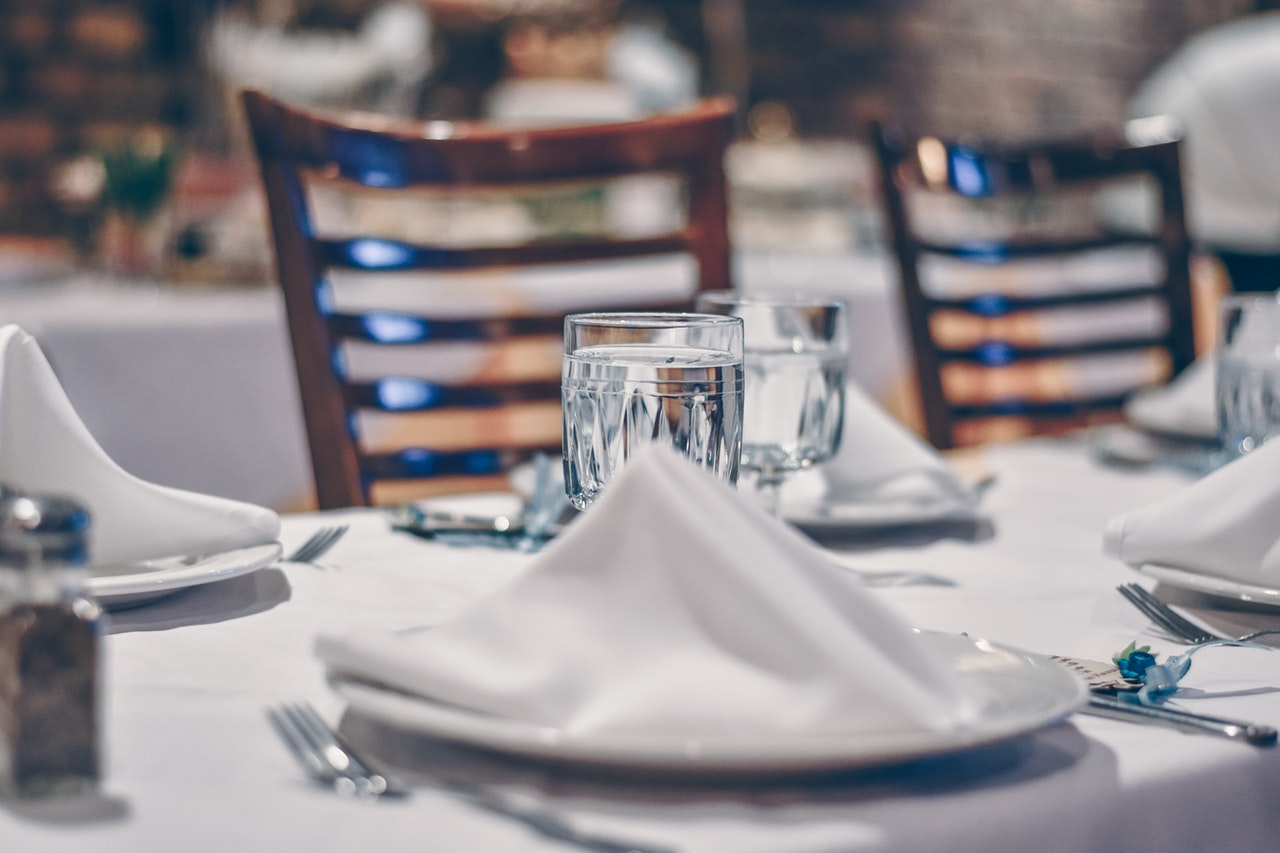 Why Your Restaurant Should Be Using Cloth Napkins