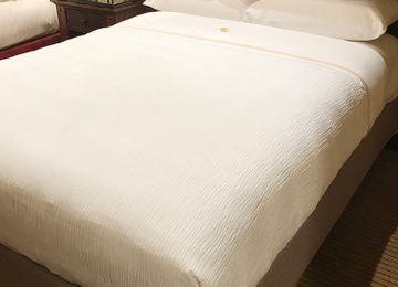 3 Ways ItFits™ Foundation Covers Helps to Update a Hotel Room Instantly